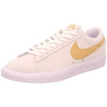 Nike Street Look weiß