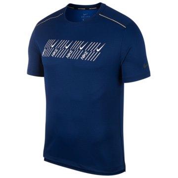 Nike T-Shirts blau