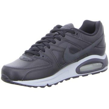 Nike Street LookNike schwarz